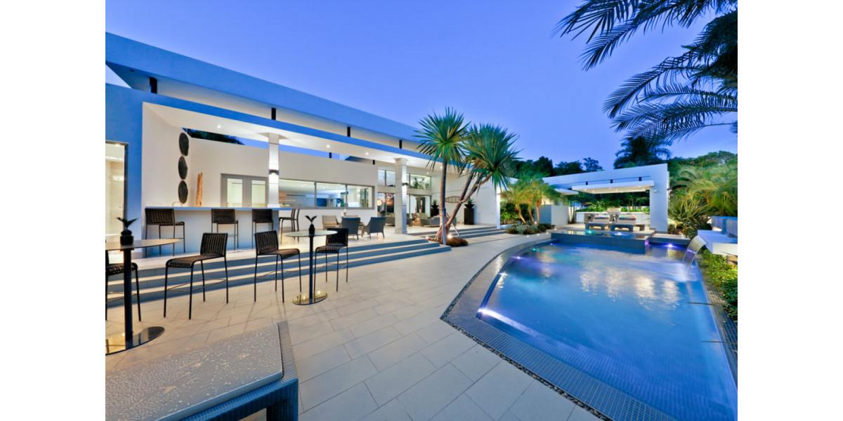 Vas a dise ar terraza y piscina art culos modo de vida for Terrazas y piscinas